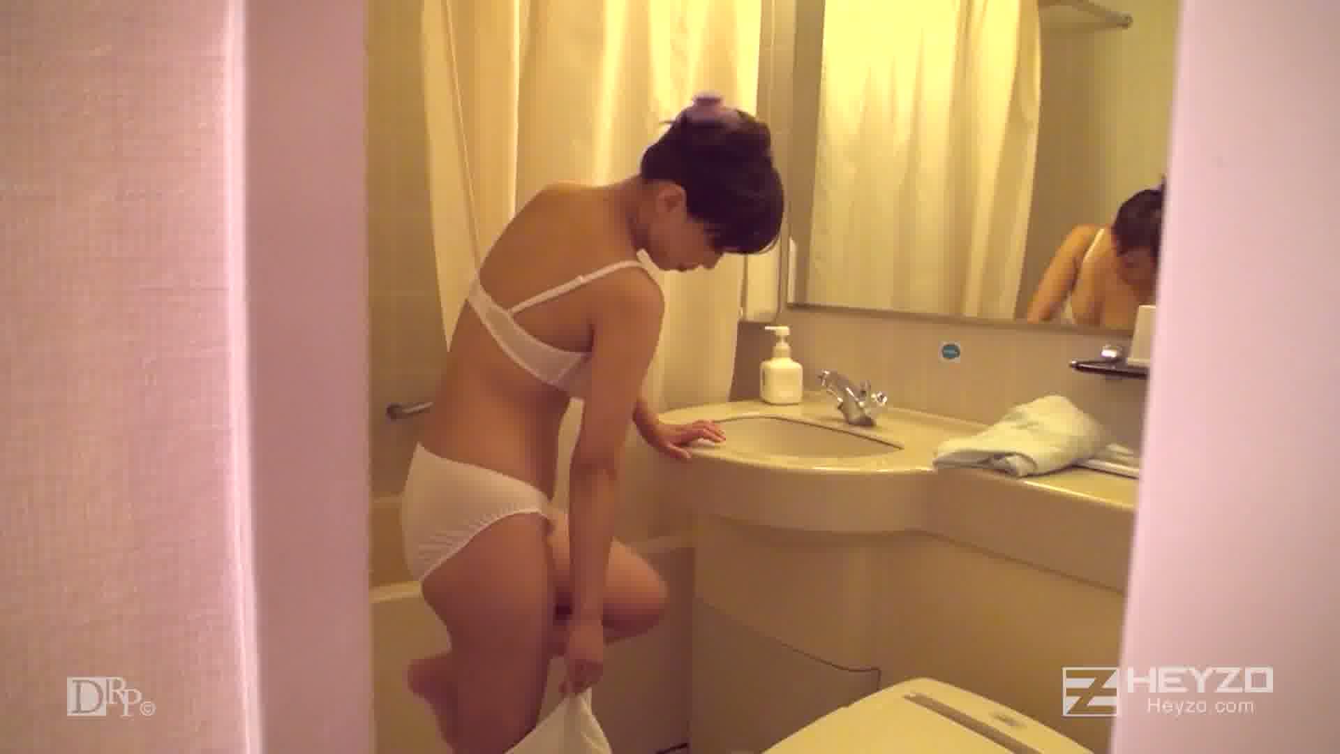 美熟女・汐里さんとぐっちょりセックス~膣年齢ハタチの魔力~ - 溝口汐里【指マン フェラ 口内射精 シャワー】