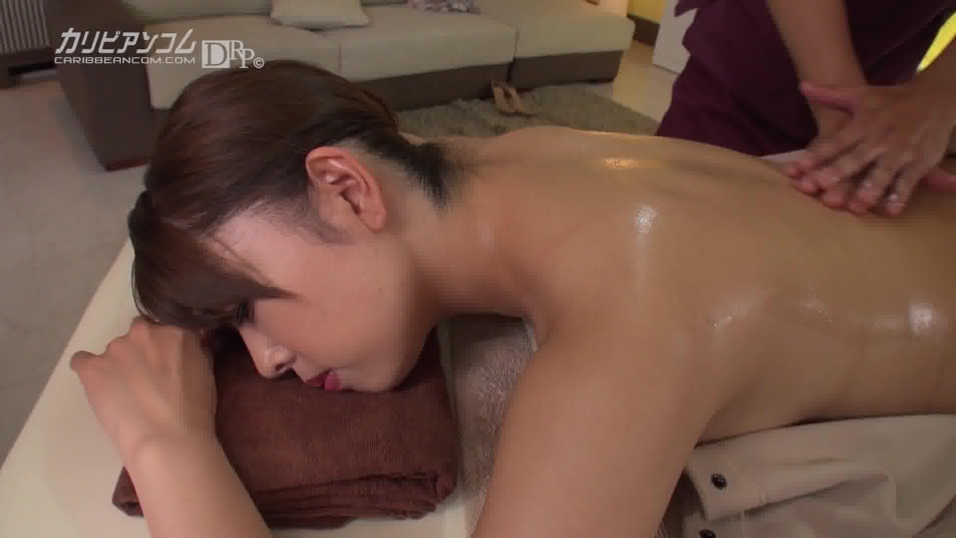 メンズエステサロンに嵌る人妻 - 立花紫保【痴女・ザーメン・中出し】