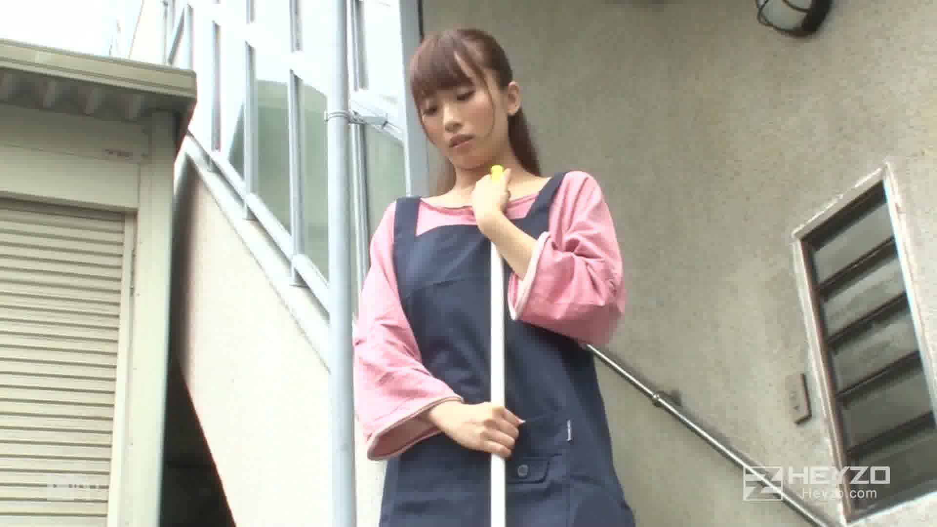 憧れの管理人は、欲しがり未亡人!~暴走するエクスタシー~ - 美咲結衣【フェラ抜き】