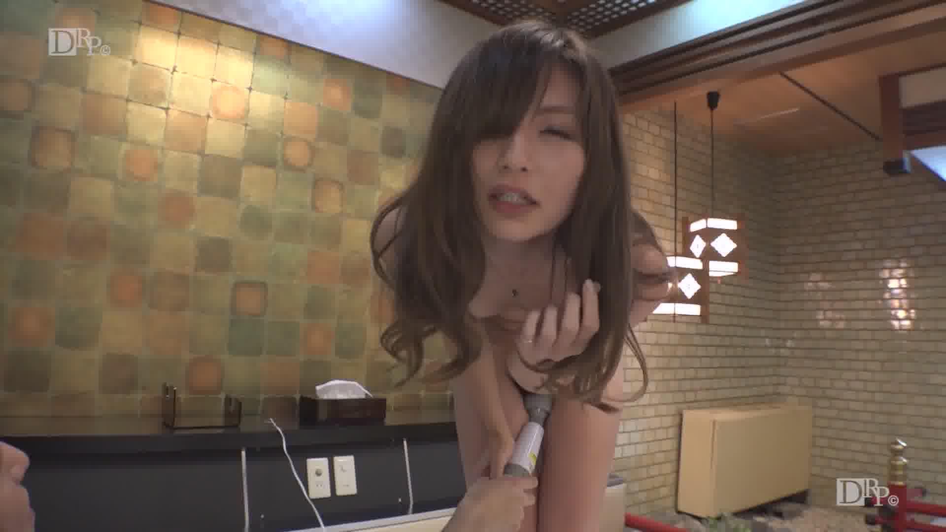 見つめられてどんどん濡れて - 米倉のあ【痴女・微乳・スレンダー】