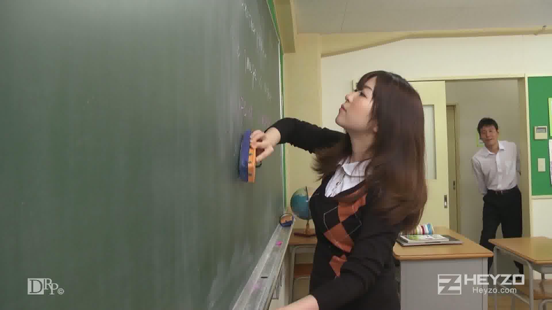 剛毛M女教師・花穂 - 花穂【悪戯開始 オナニー バイブ】