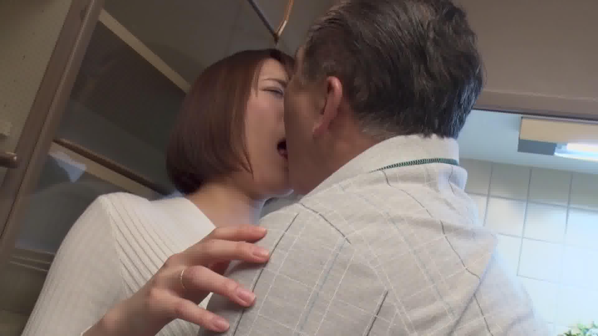 親父に寝取られ種付けされた俺の彼女3 - 菊川みつ葉【巨乳・パイパン・中出し】