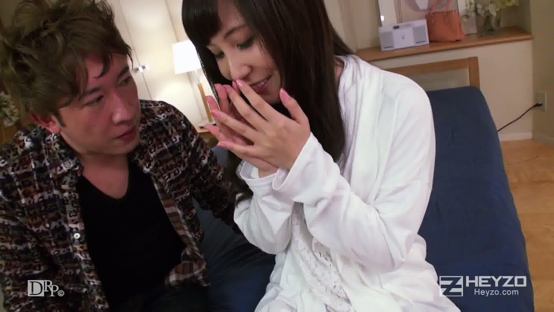 元同級生はAV女優 - 伊藤果夏【脱衣 キス 指マン クンニ】
