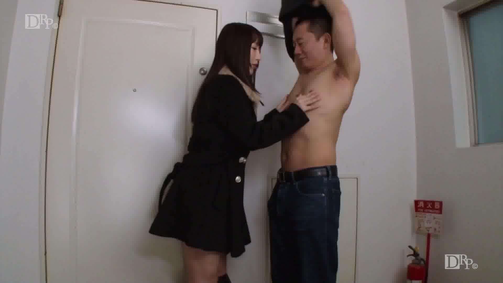 コートの下は全裸ですが、何か? - 星咲優菜【野外露出・パイズリ・クンニ】