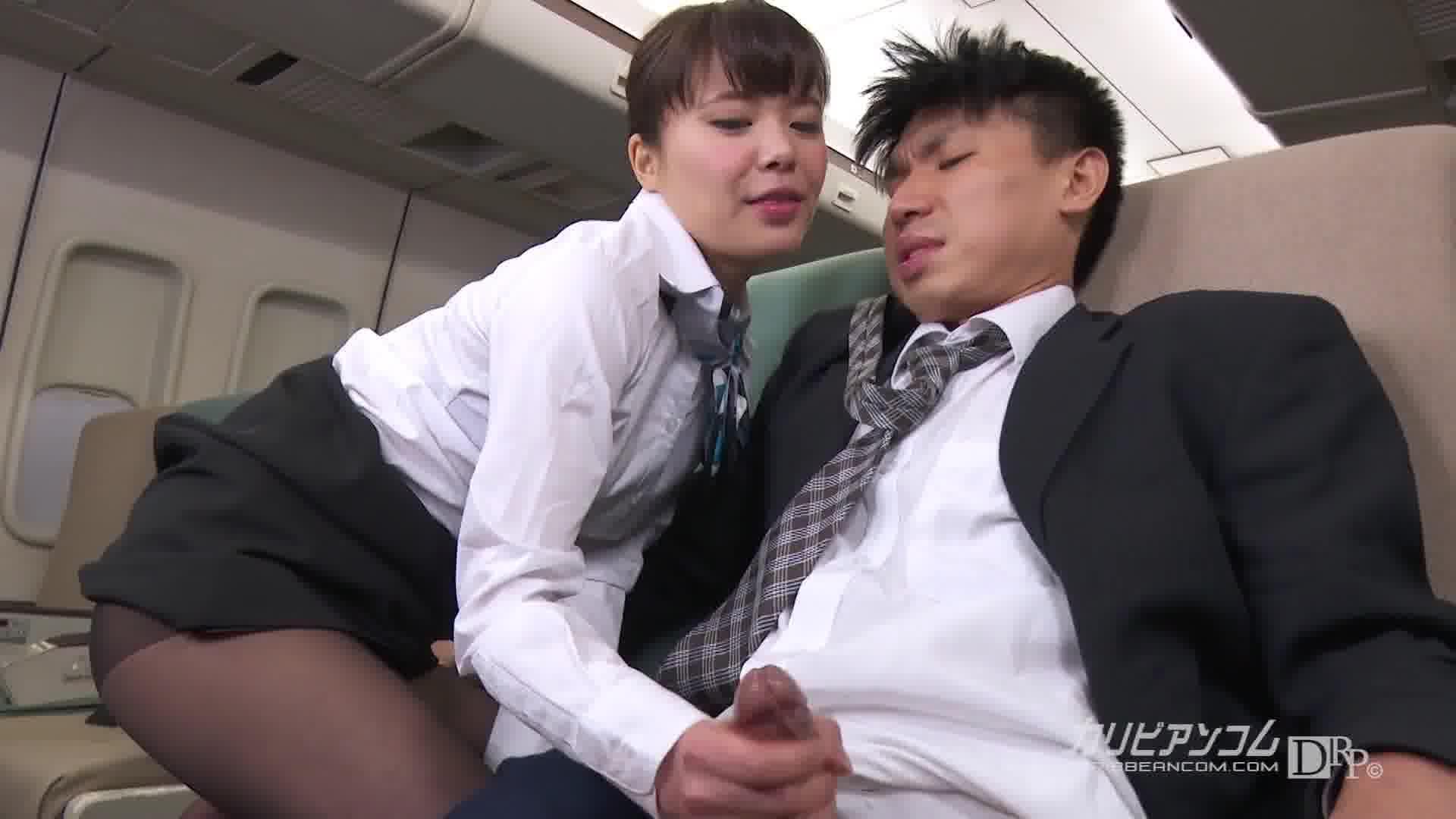 今年のお正月はCAL航空で夢のハワイ航路 - 三浦春佳【制服・スレンダー・中出し】