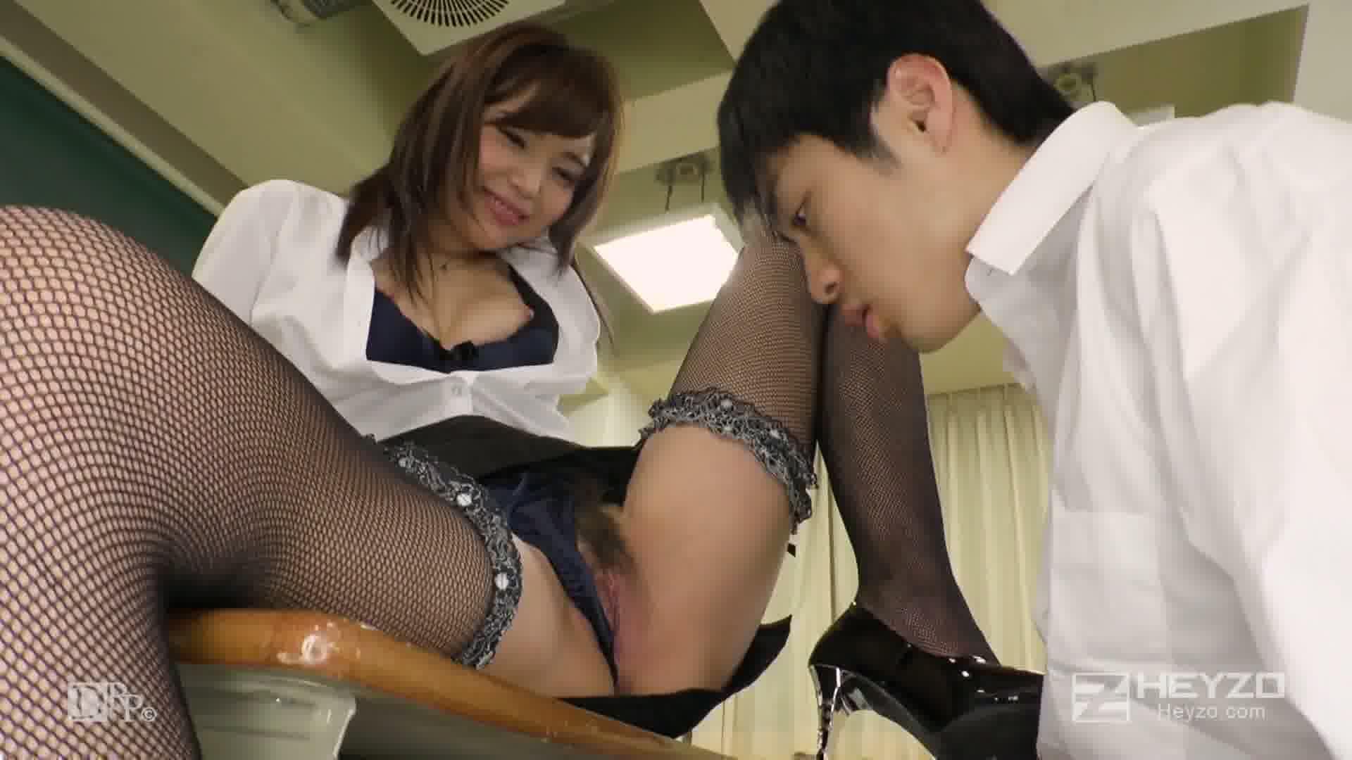 美痴女~ヤリマン先生がイク!~ - 碧しの【教室 学校 タイツ ローター のぞき】