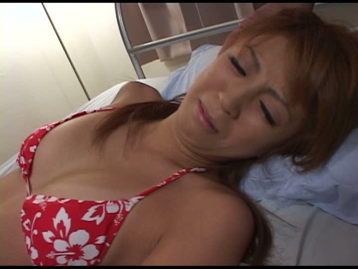水着ギャルレイプ(前編)飯島愛子