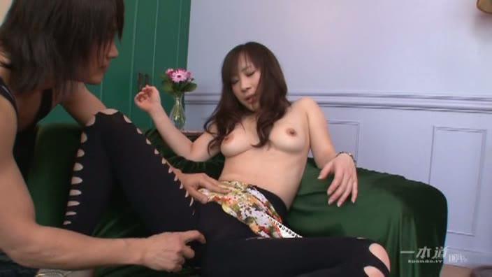 S級女優もワンコ扱い【とこな由羽】
