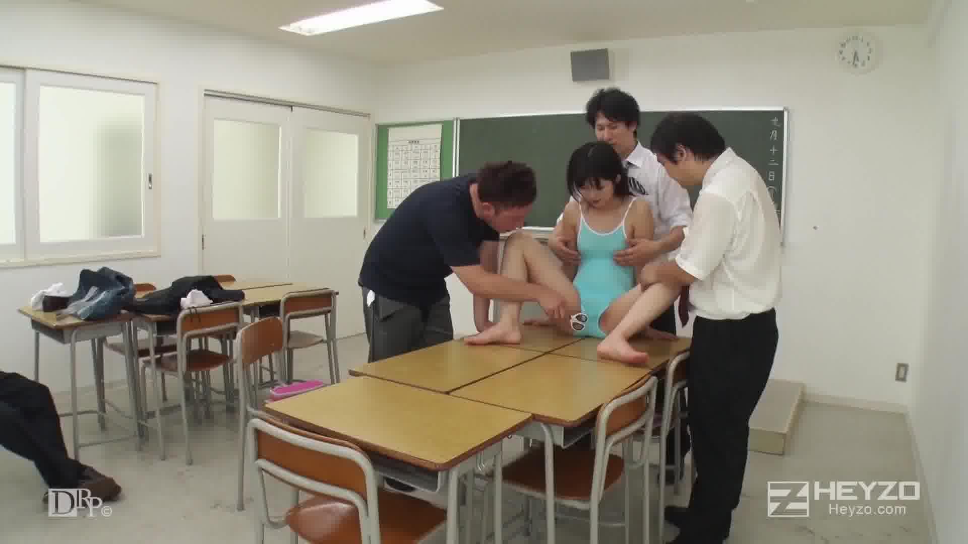サマーヌード ~放課後の教室で...~ - 琴吹まりあ【乱交・制服・中出し】
