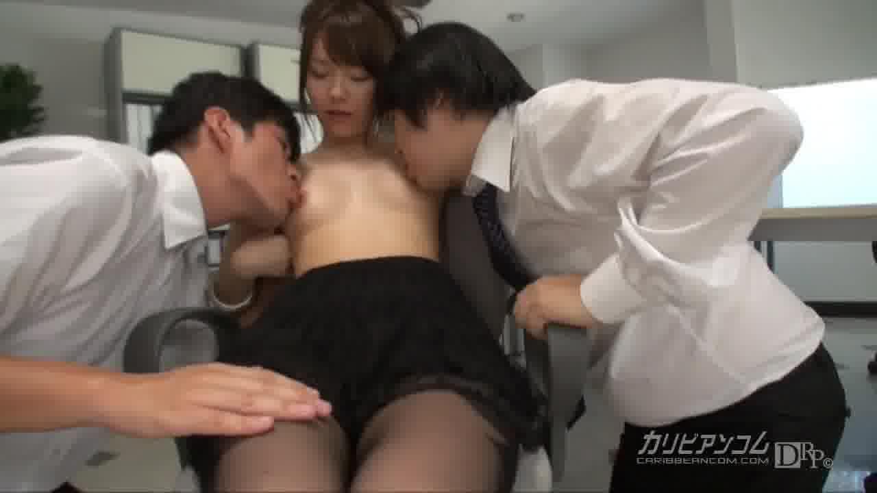 僕らのマドンナ淫乱OL - 上原結衣【痴女・そっくりさん・中出し】