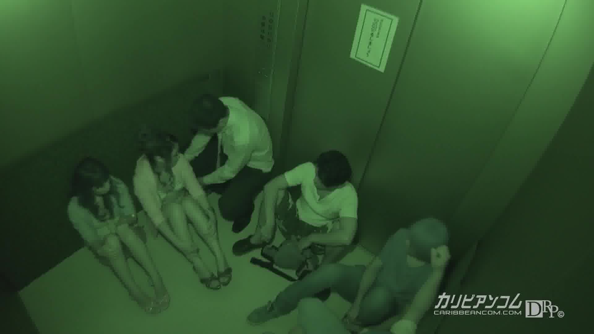 緊急停止!密室エレベーター輪姦 - 宮間葵【スレンダー・ハード系・イラマチオ】