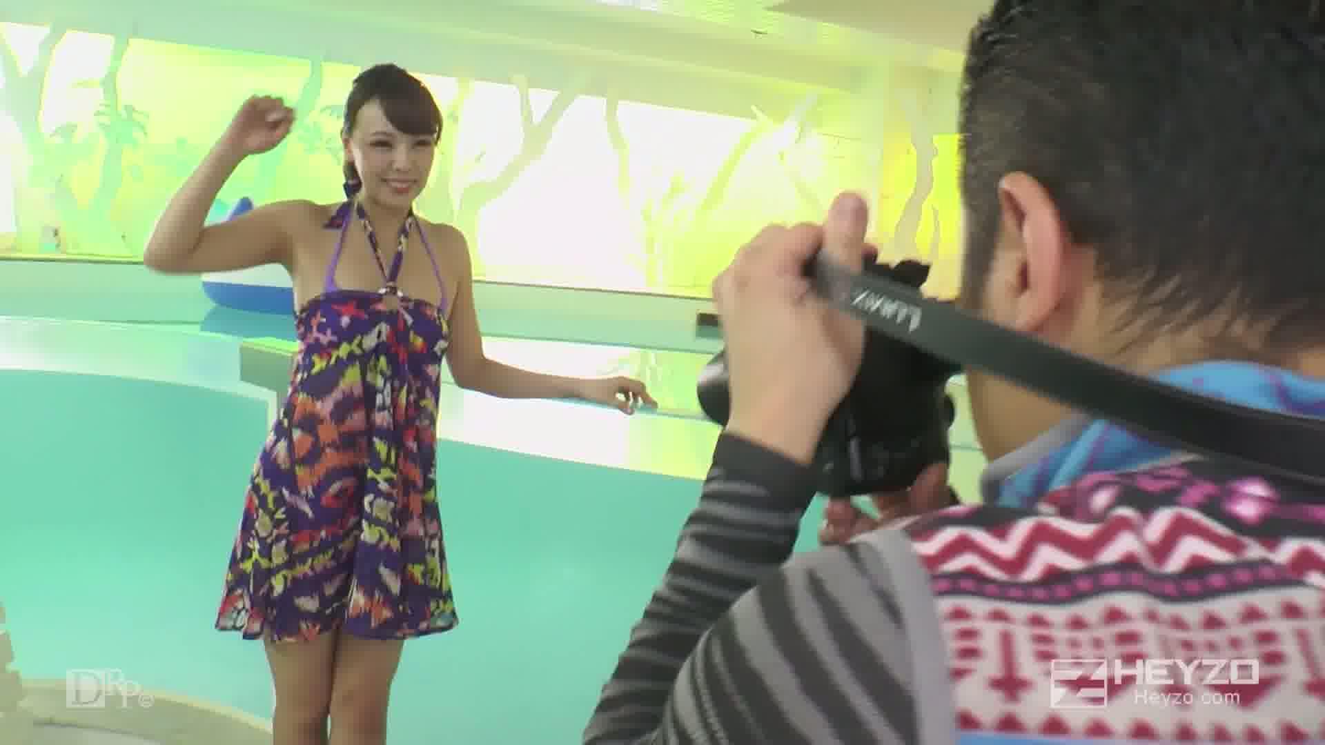 グラビア撮影でハメちゃいました!!~簡単に股を開く近頃のアイドル~ - ルナ Part1【グラビア撮影 シャワー】