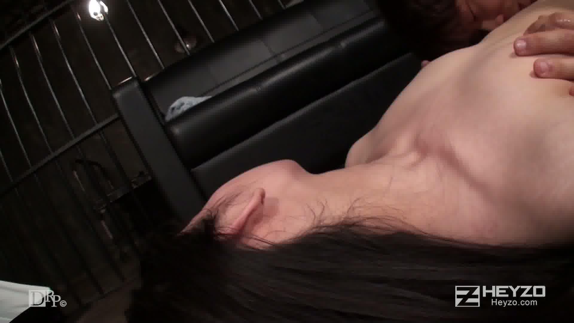 モデル撮影会で元カノにバッタリ遭遇 - しずか真央【背面座位 バック クンニ 正常位 側位 騎乗後背位 中だし】