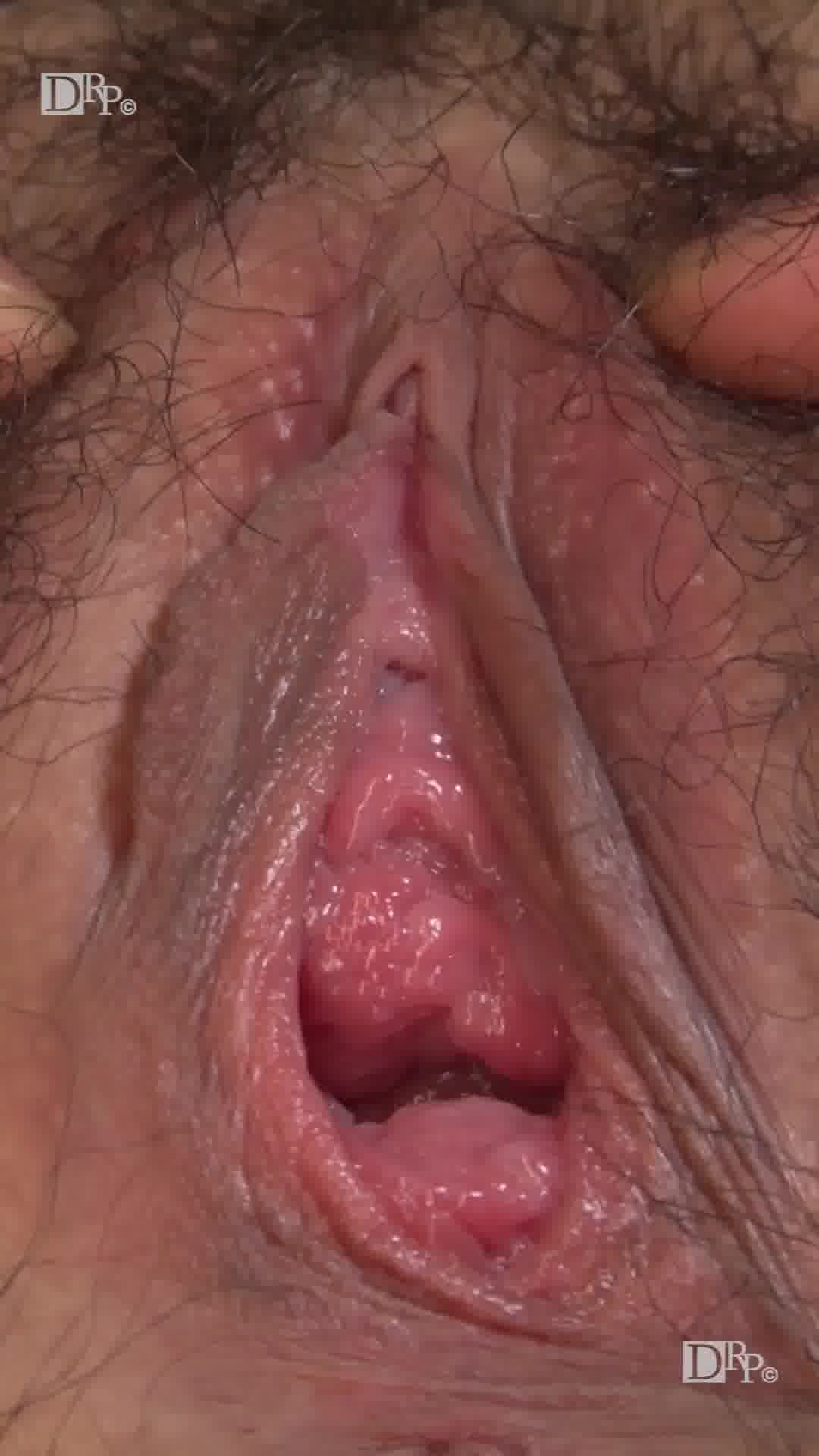 縦型動画 013 ~画面いっぱいの尻穴陰毛~ - 梢あをな【水着・パイズリ・口内発射】