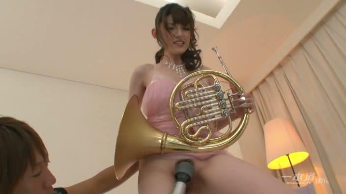 裸演奏 〜第5回演奏会・ホルン〜【飯岡かなこ】