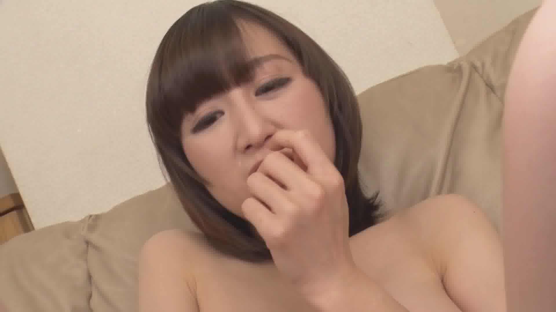 顔射に興奮する下から目線のドM美女 - 三花れな【巨乳・スレンダー・顔射】