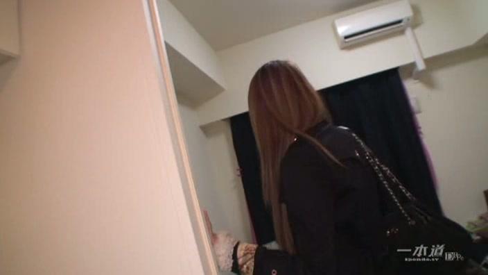 人気女優のお部屋拝見【リオ】