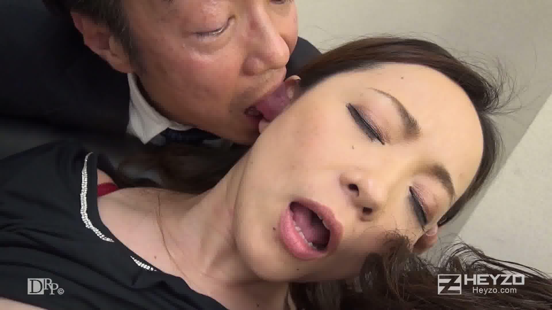 ヤリ手女社長はヤリたがり!~部下の下半身を奮い勃たします!~ - 南澤ゆりえ【パイズリ 4P オフィスの床】